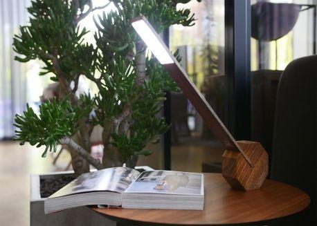 Lampe de bureau led sans fil positions coloris au choix