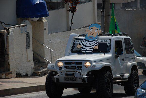 Bocão News @bocaonews  Manifestações contra o Governo na Barra. VEJA FOTOS http://ht.ly/ZoJqp