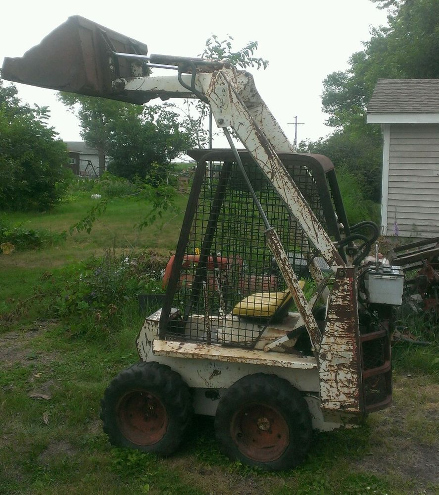 Bobcat M371 371 Skid Steer Loader with bucket & Kohler