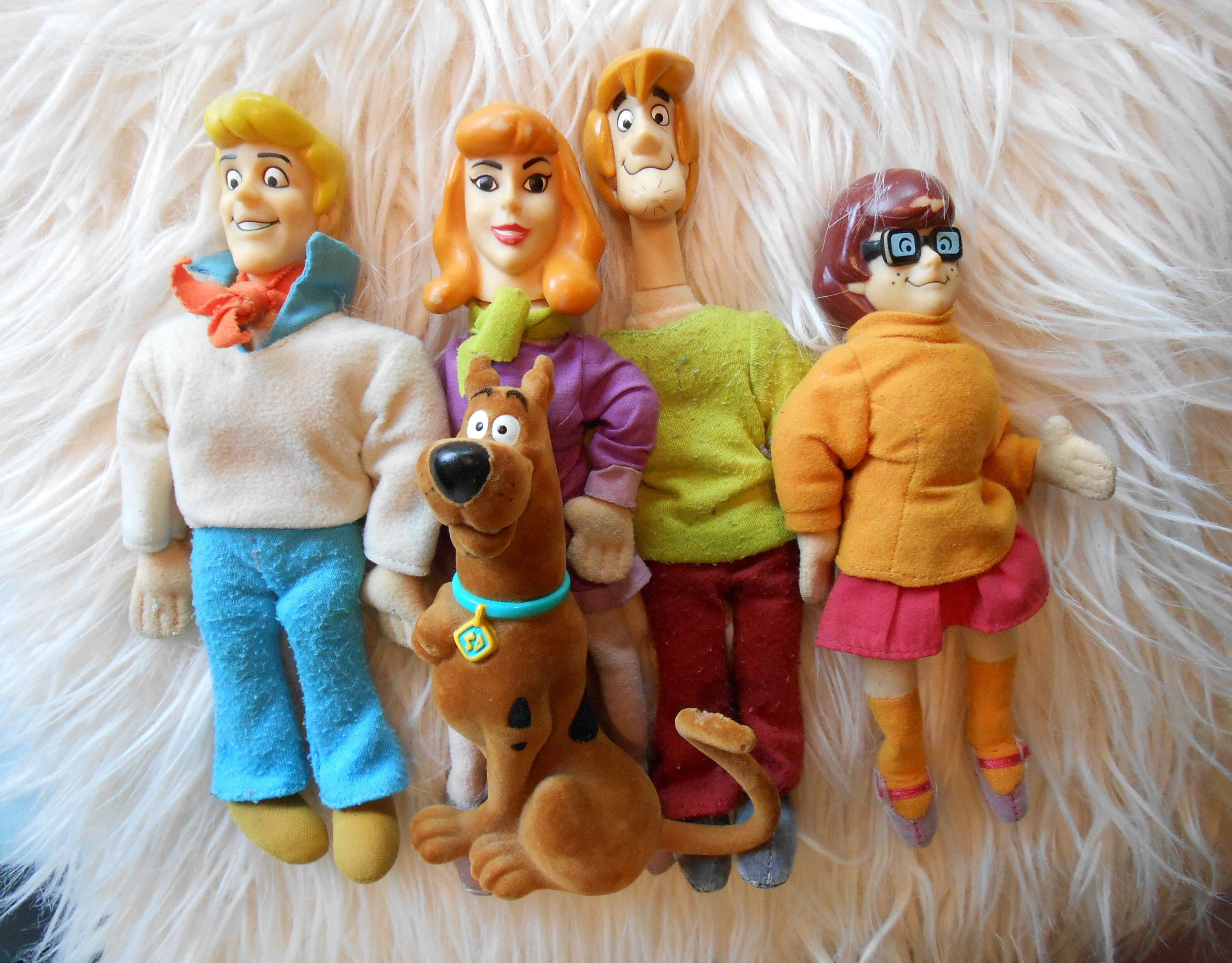 """9"""" Scooby and the Gang Plush Dolls (with Plastic Heads), 2000 ~ My newest Scooby Doo purchase!"""