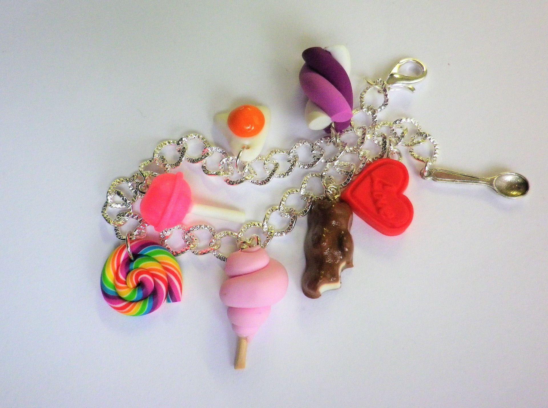 bracelet gourmand bonbons fimo bijou gourmand id e cadeau acheter pinterest bonbon. Black Bedroom Furniture Sets. Home Design Ideas