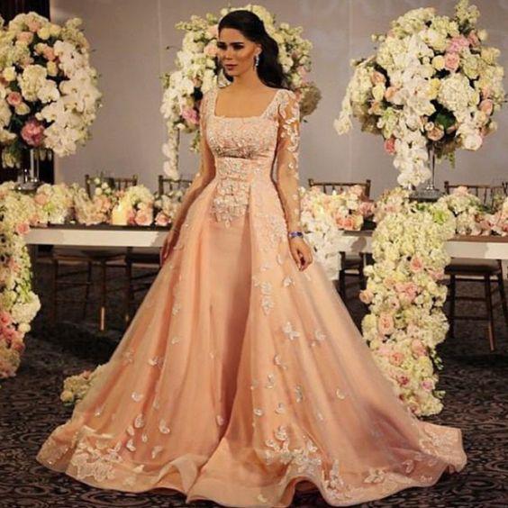Robe de mariée ample de Dubai, couleur saumon en 2019