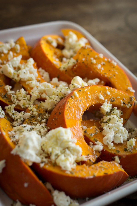 Herbstliches aus dem Ofen: Kürbis mit Schafskäse #spitzkohlrezeptehackfleisch