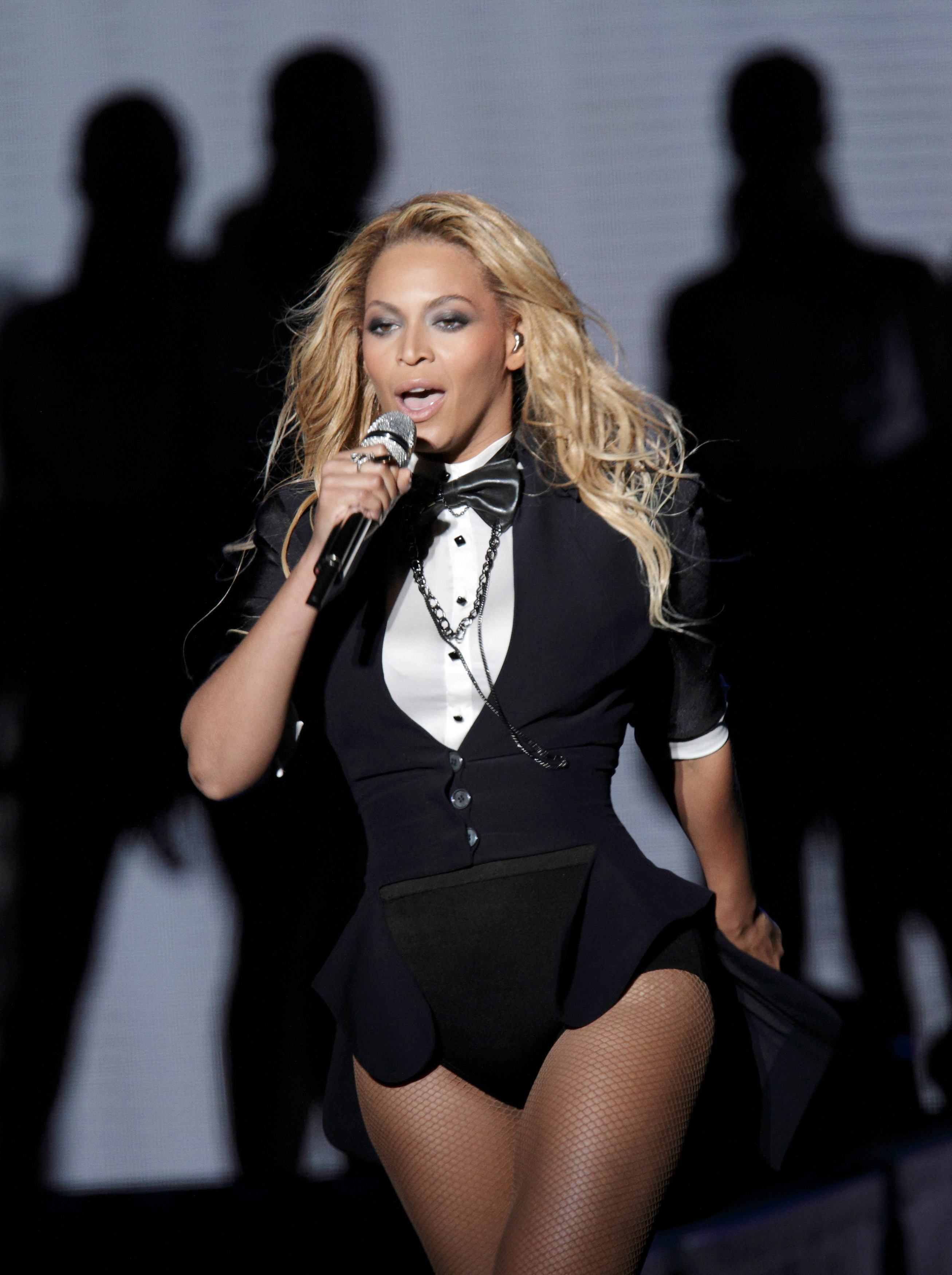 Pin by Jess on Queen Bey in 2019 | Beyonce, Beyonce run the