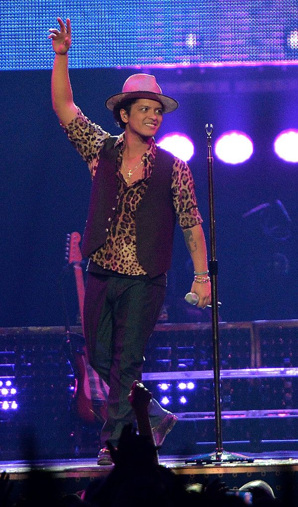 Bruno Mars, Moonshine Jungle Tour Bruno mars, Bruno mars