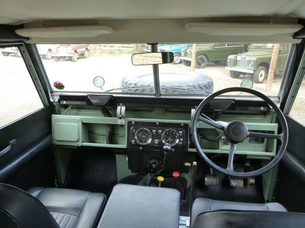 land    rover    defender    series       2    interior  Google Search   Land    Rovers    then the rest   Carros