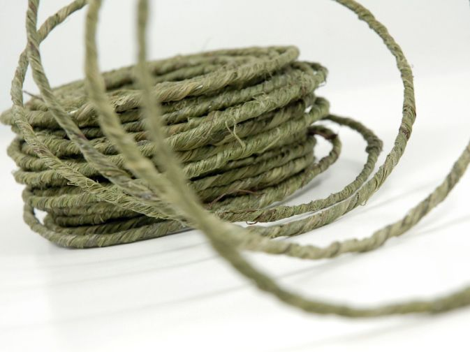 Green Rustic Wire 18 Gauge - 70 Feet | Wire covers and Floral designs