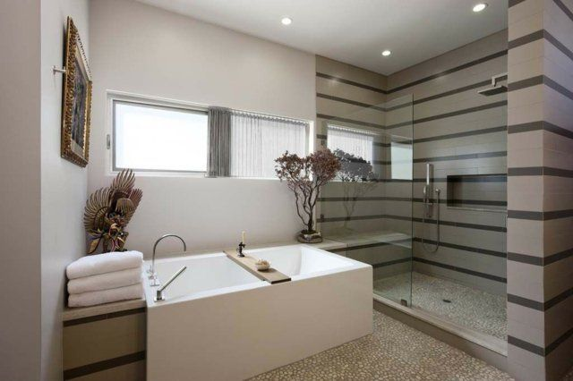 meuble salle de bains bois carrelage et dco en 105 ides - Galets Muraux Salle De Bain