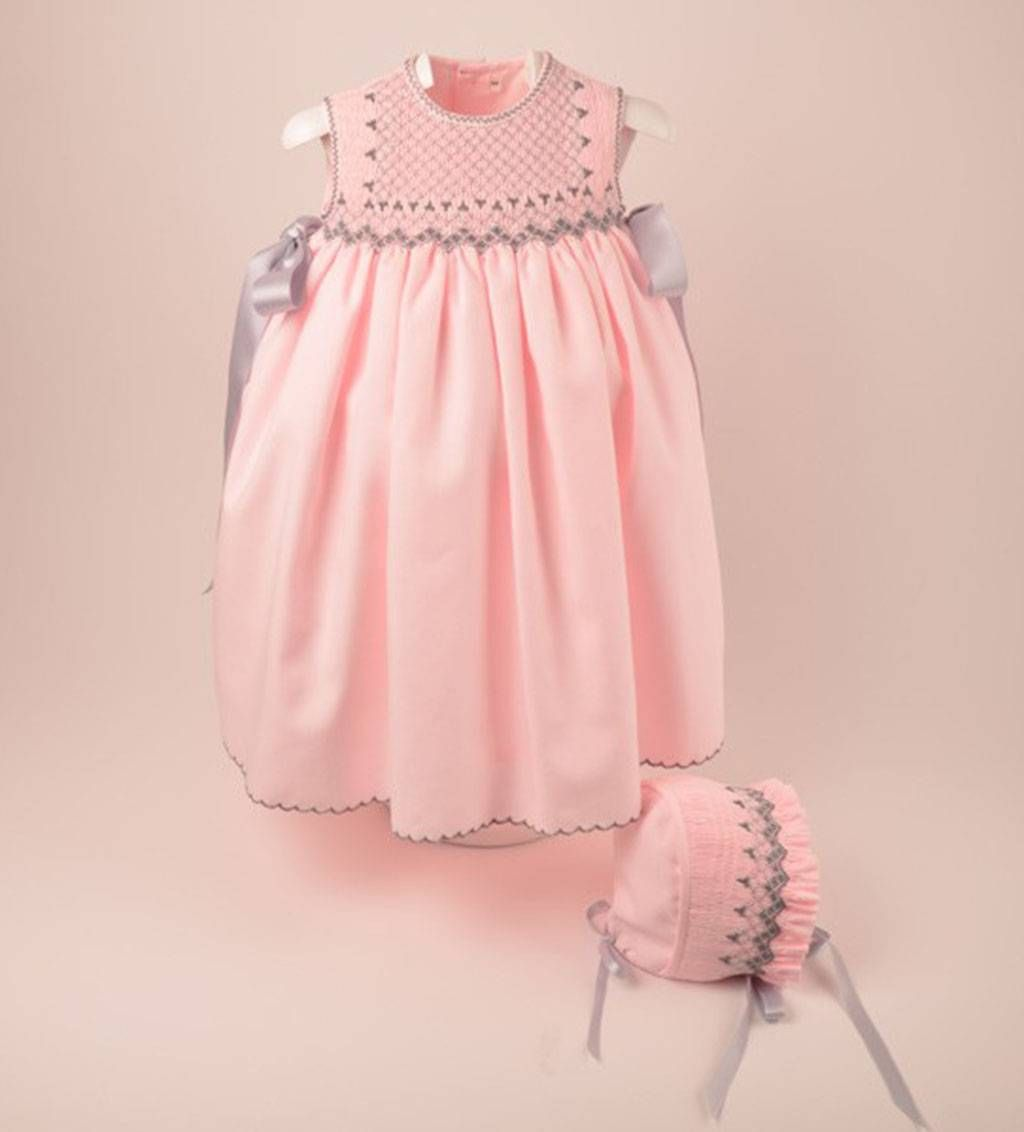 Precioso Faldón Rosa Con Capota Bordado A Mano Vestidos Bordados Para Niña Vestidos Para Bebés Vestidos Del Bebé Fruncidos