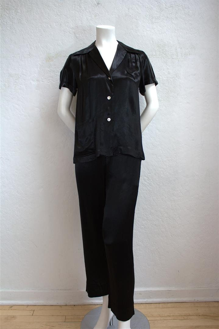 1940 s Black Silk Pajama Set   Top and Pants   Size  25