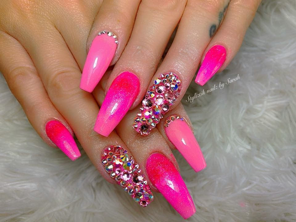 Acrylic Nails Nails Nailart Naildesign Credits To The Artist Nails Design With Rhinestones Bright Pink Nails Pink Glitter Nails