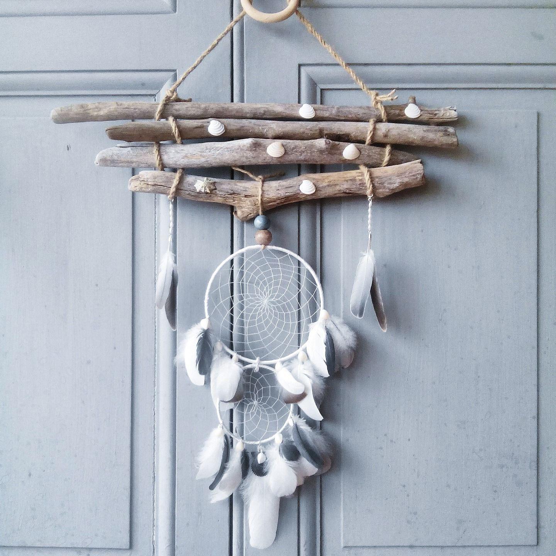 attrape r ves blanc et gris dreamcatcher bois flott d coration murale avec coquillages et. Black Bedroom Furniture Sets. Home Design Ideas