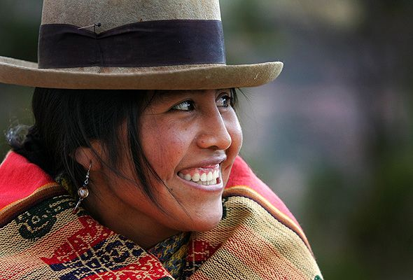 I Love The Hats That Peruvian Women Wear Peruvian Women Women Photojournalism