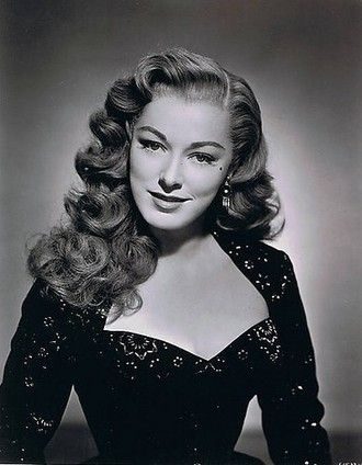 40s Hairstyles For Long Hair And How To Do Them Hair Summary Hairsummary Scoo Vintage Hairstyles For Long Hair Hair Styles 1940s Hairstyles For Long Hair