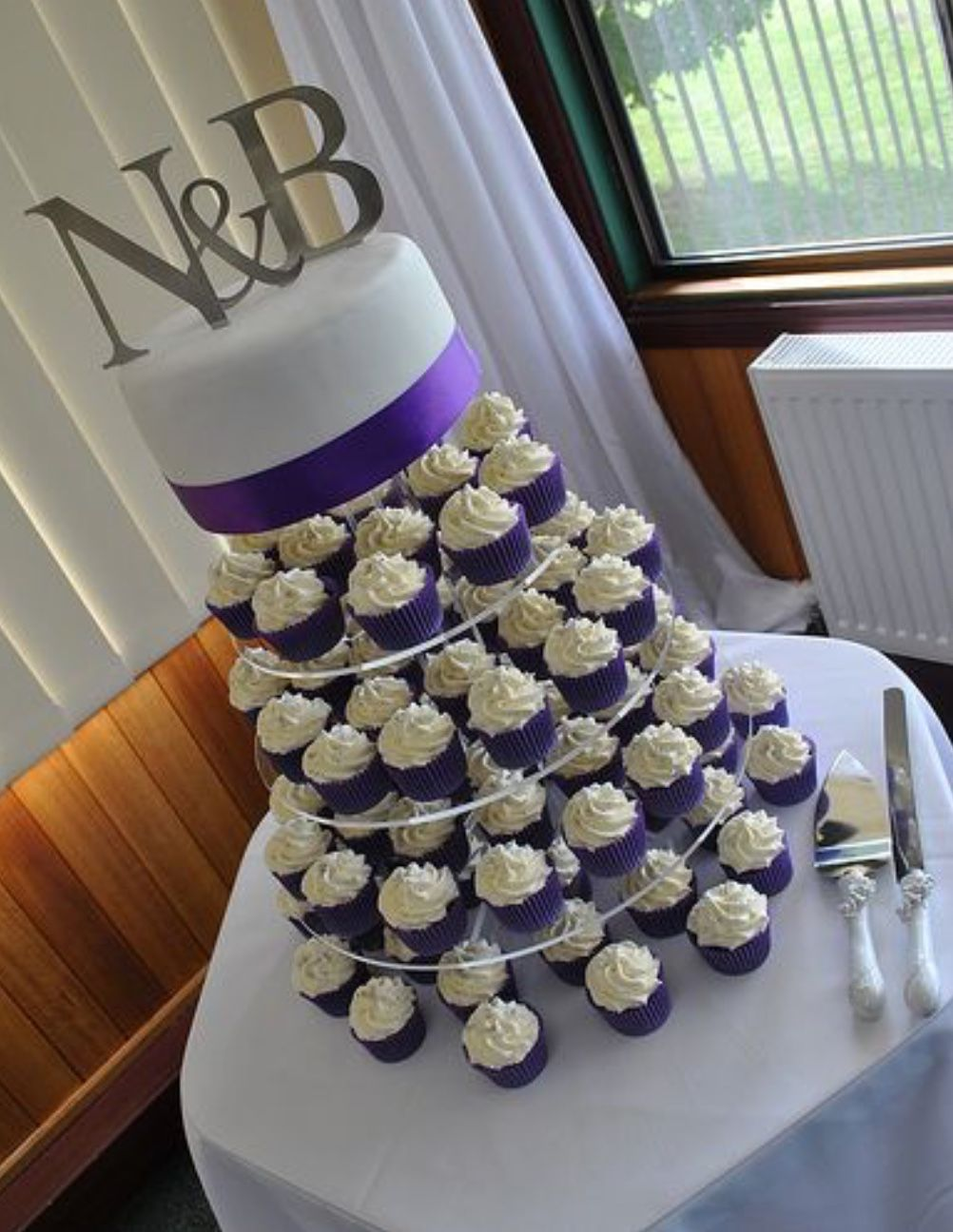 One tier wedding cupcake | White wedding cupcakes, Purple ...