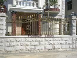 Wrought Iron Fence On Top Of Block Wall Google Search Exterior Hogar Disenos De Casas De Campo Disenos De Casas