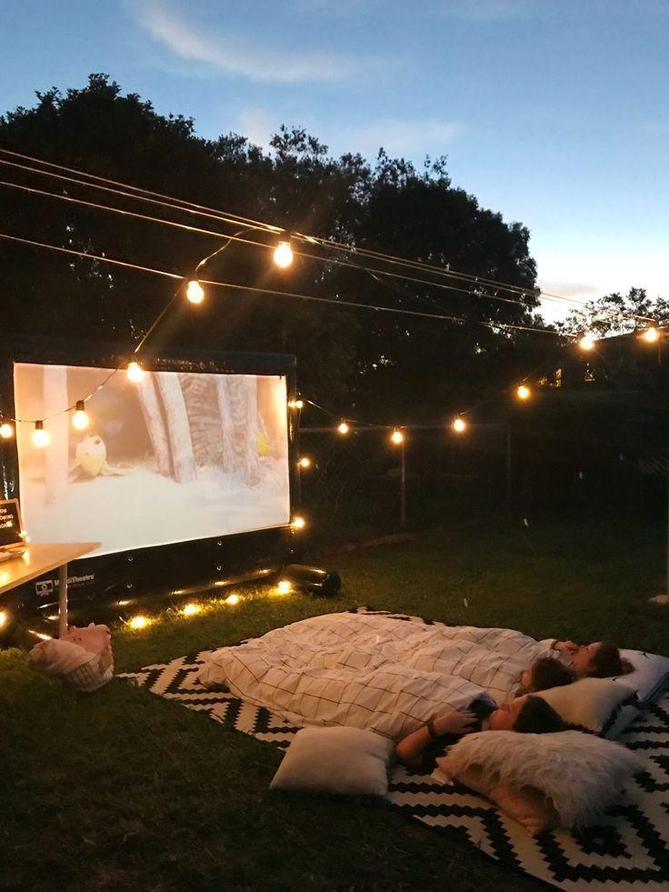 Photo of Her er blogginnlegget How We Make Summer! av Oh So Busy Mum. Backyard Cin … – Bloggen min