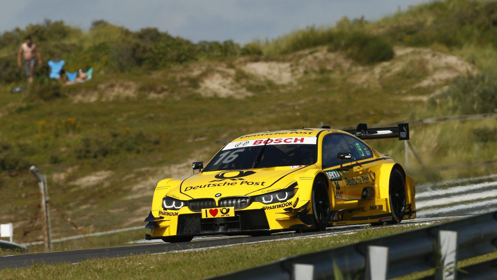 It's time for a nice day in a fast car! FP2 starts in 55 minutes. LIVE here: DTM.com/live #DTMZandvoort