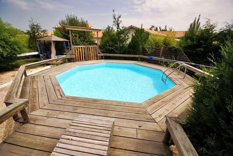 Piscina fuori terra in legno piscine fuori terra pinterest swimming pools - Piscine rettangolari fuori terra ...