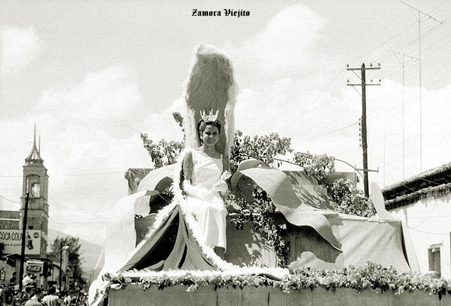 Desfile en Zamora Michoacan Mexico ,,, 2
