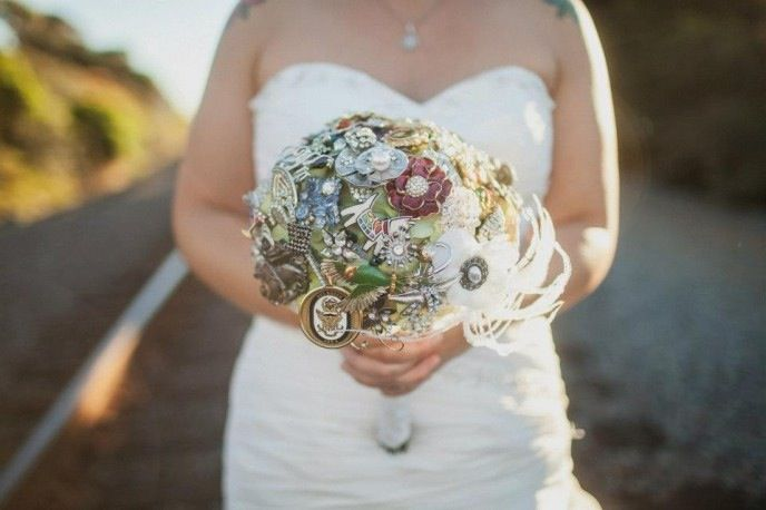 Gorgeous Brooch Bouquet with a feather flair!
