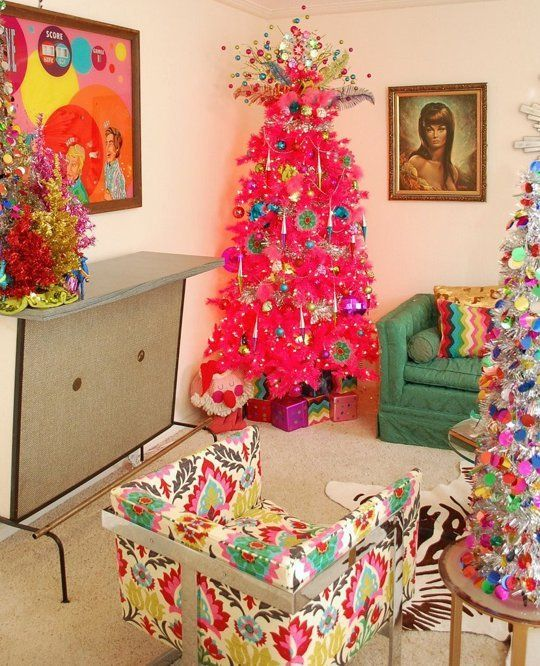 Christmas Tree Decoration Elements: Merry Kitschmas! 10 Tips For Working Vintage Elements Into