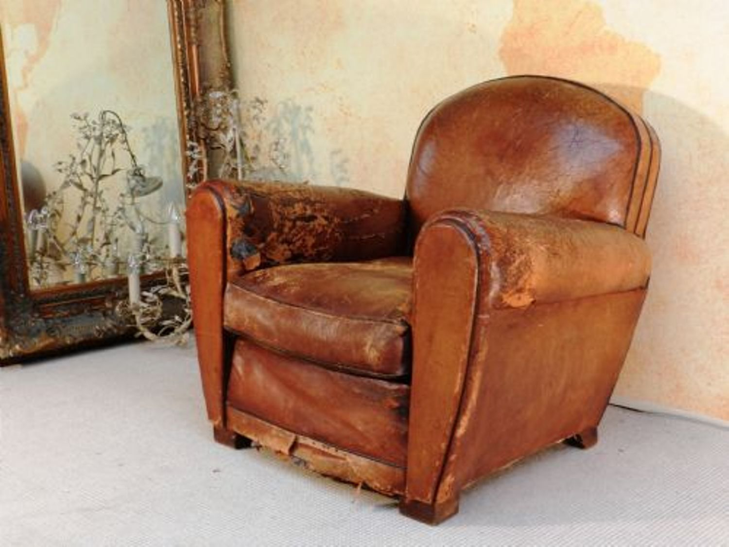 Antique leather armchair - Distressed Leather Club Chair Hjzyxgb