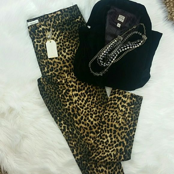 Leopard Print  Skinny Jeans ~Leopard print  ~Brand New with tags  ~Black top is also for sale Forever 21 Pants Skinny