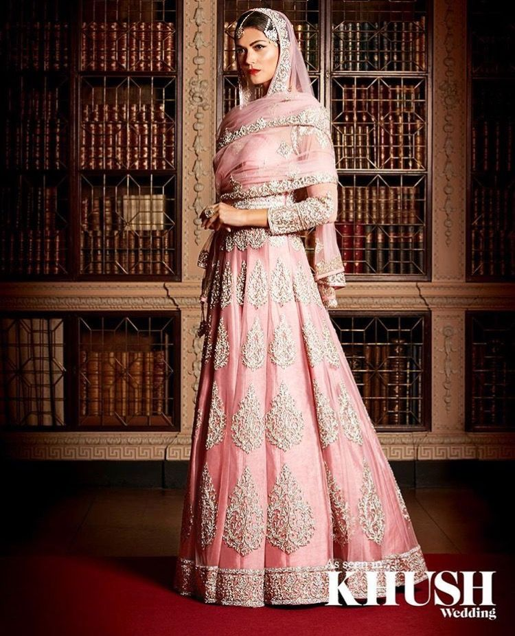 Elegance!   Dresses india   Pinterest   Vestido elegante, Tocado y ...
