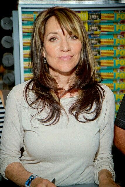 One Of My Favorite Actresses Love A Cap Gemma Teller Hair Hair Styles Sons Of Anarchy