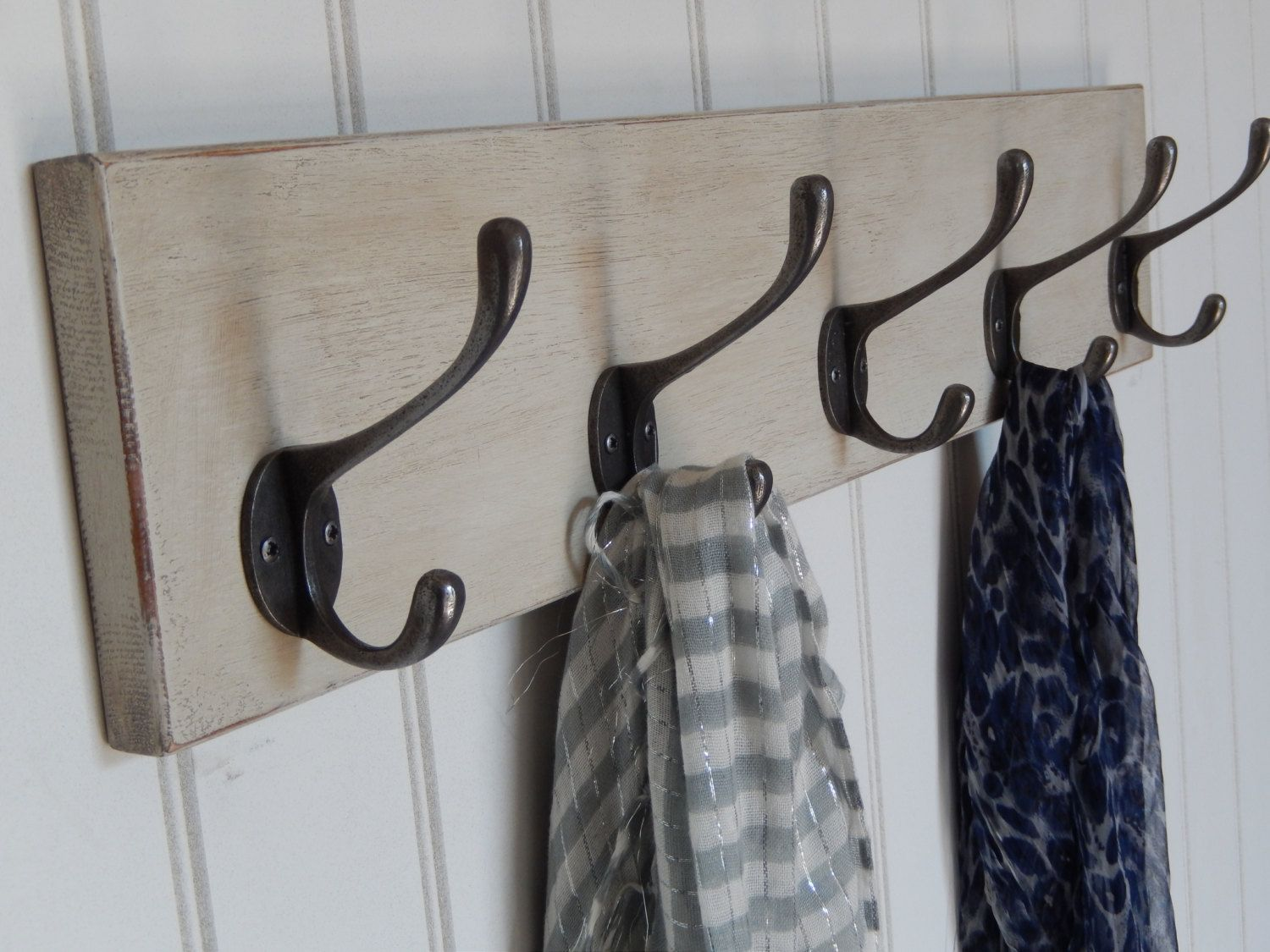 Rustic Old White Painted Coat Rack With Victorian Style Antique Iron Hooks Entrance Hallway Vintage Style Shabby Chic Clothing Rack Shabby Chic Coat Rack Shabby Chic Coat Hooks Shabby Chic