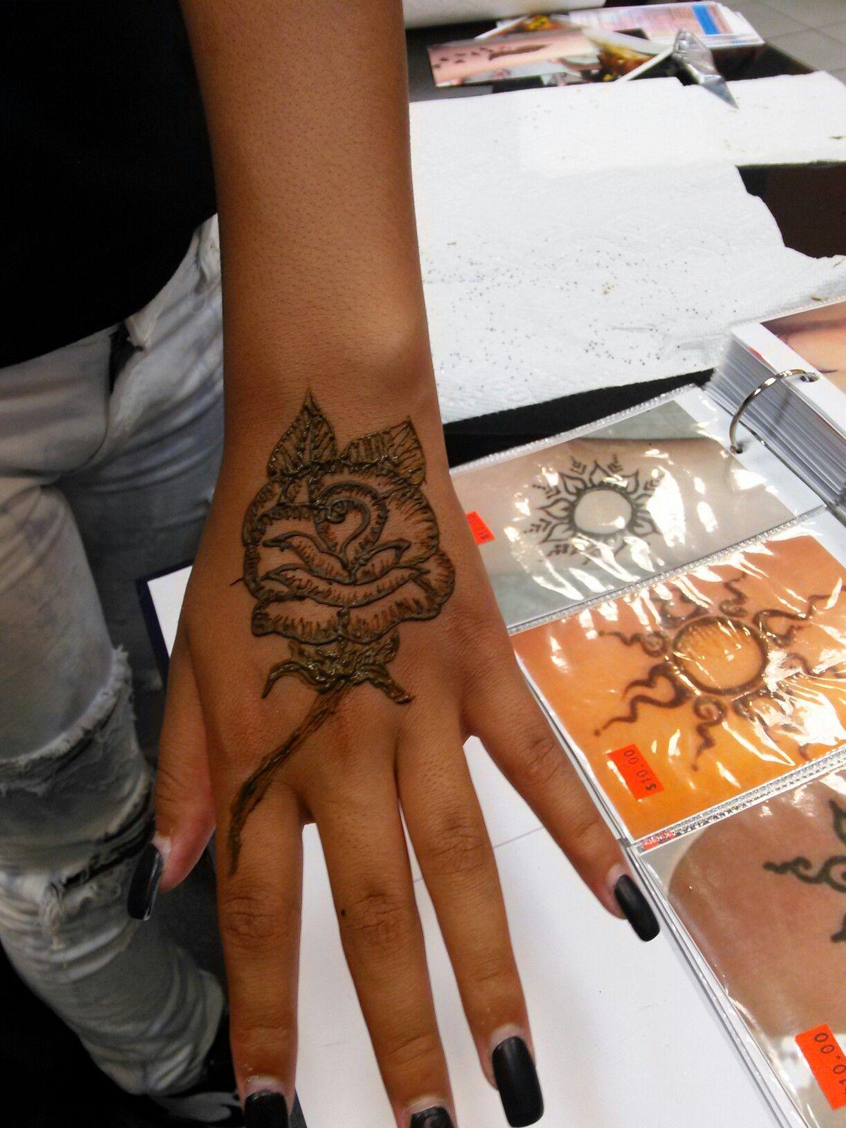 Red Henna Red henna, Henna hand tattoo, Hand henna