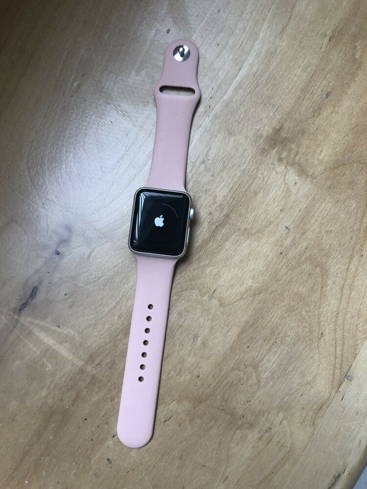 Apple Watch Series 3 38mm Space Gray Aluminum Case White And
