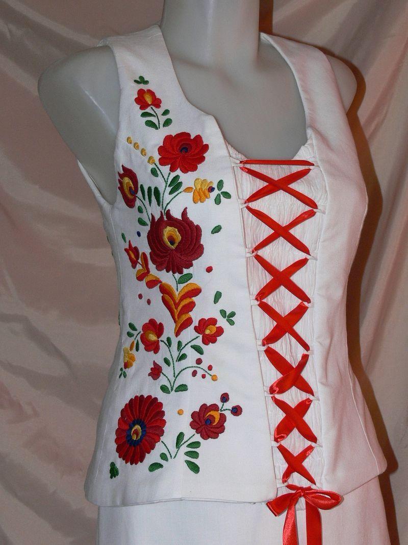 d4a315350c kalocsai ruha | Régi magyar motívumaink: Matyó hímzéses menyasszonyi ruha