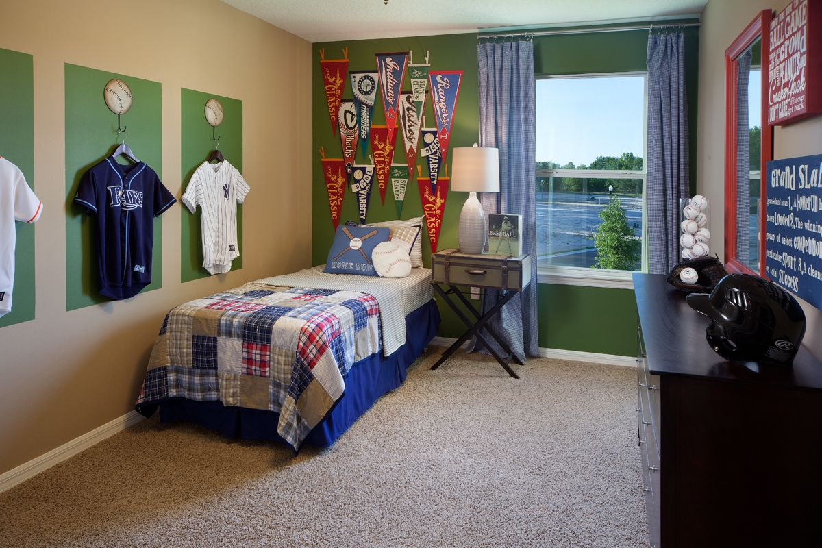 Discover The Most Trendy Bedrooms To Create An Amazing Space To Kids Interior Decor You Can See More Baseball Themed Bedroom Children Room Boy Boys Room Decor