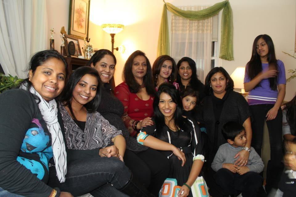 Popular Artistes Nehara Peiris And Menaka Rajapakse Are In Boston