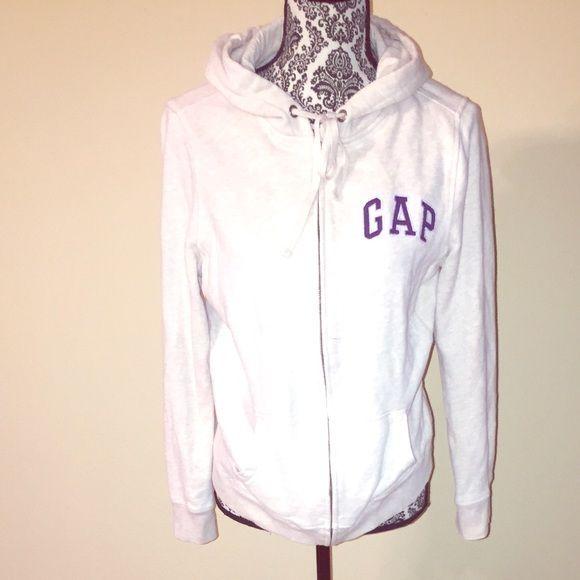GAP Sweatshirt with hoodie and zipper closure GAP Sweatshirt with Hoodie and zipper closure GAP Tops Sweatshirts & Hoodies