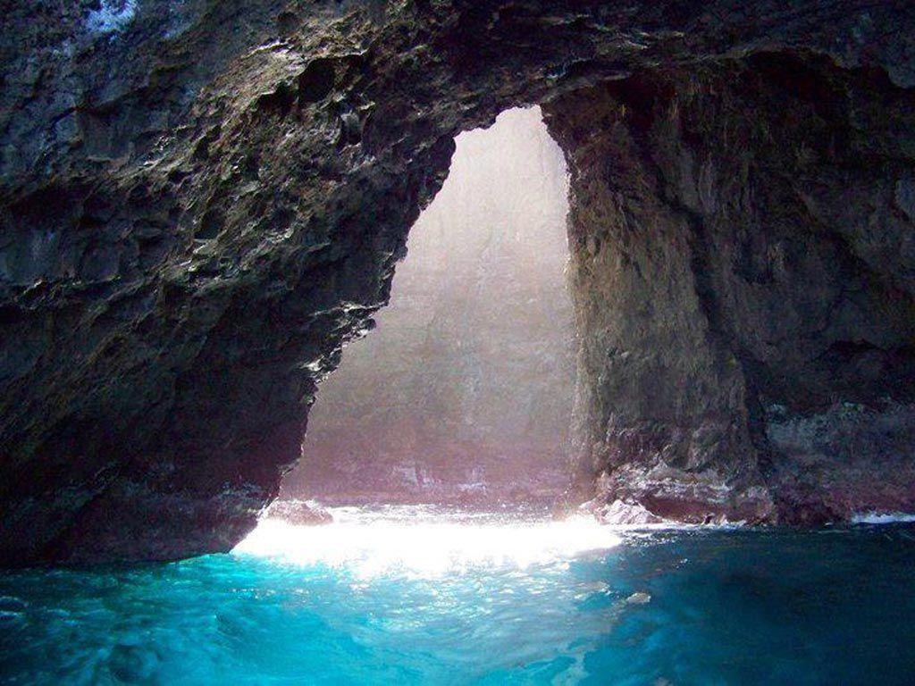 Ocean Chapel, Kauai   The Open Ceiling Cave