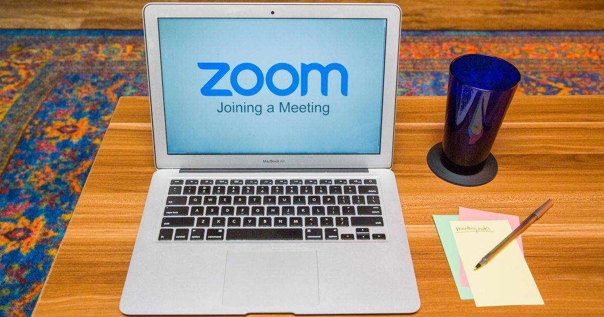 How To Use Zoom Like A Pro 13 Video Chat Tips And Tricks To Try At Your Next Meeting In 2020 Video Chatting Online Teaching Digital Learning