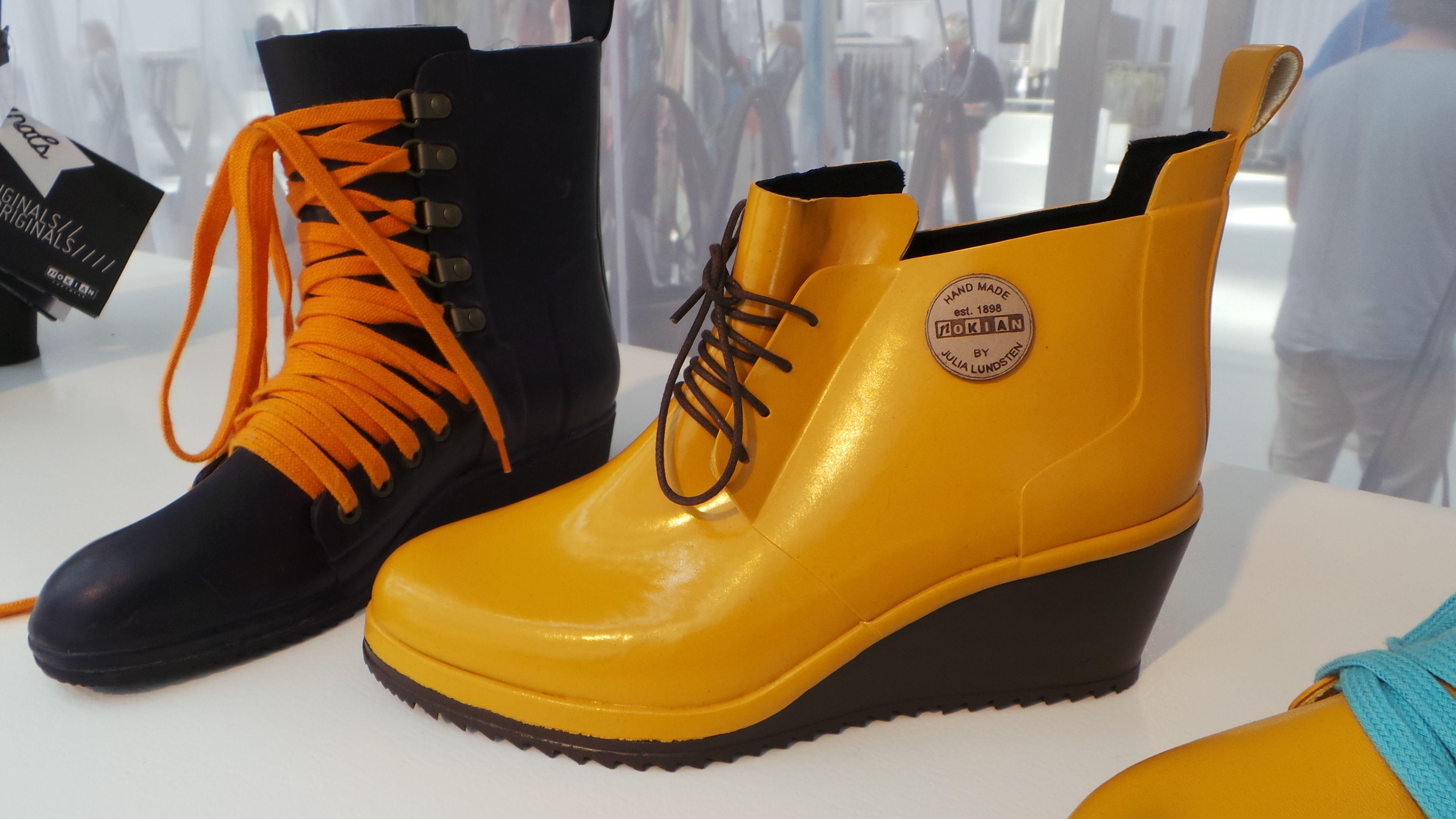 Ook volgende zomer is de regenlaars weer in fashion. Hij lijkt steeds meer fashiontransformatie door te maken.