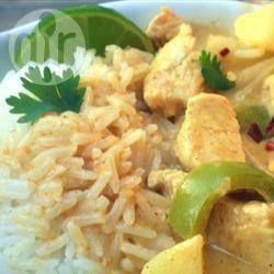 Thai Curry mit Hähnchenbrust und Ananas