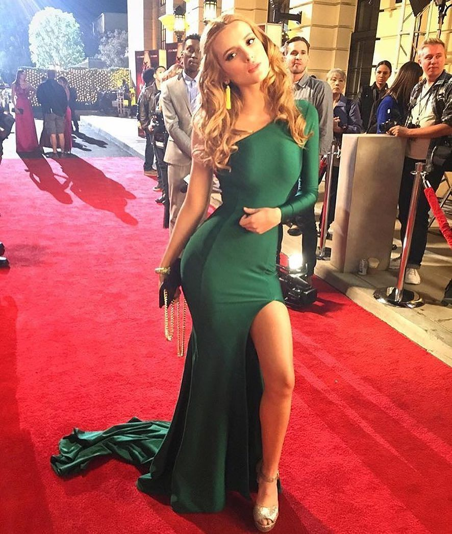It up bella thorne sports a grown up look in elegant peplum dress - Bella Thorne Wearing Formal Dress Walter Collection Passion Gown In Emerald