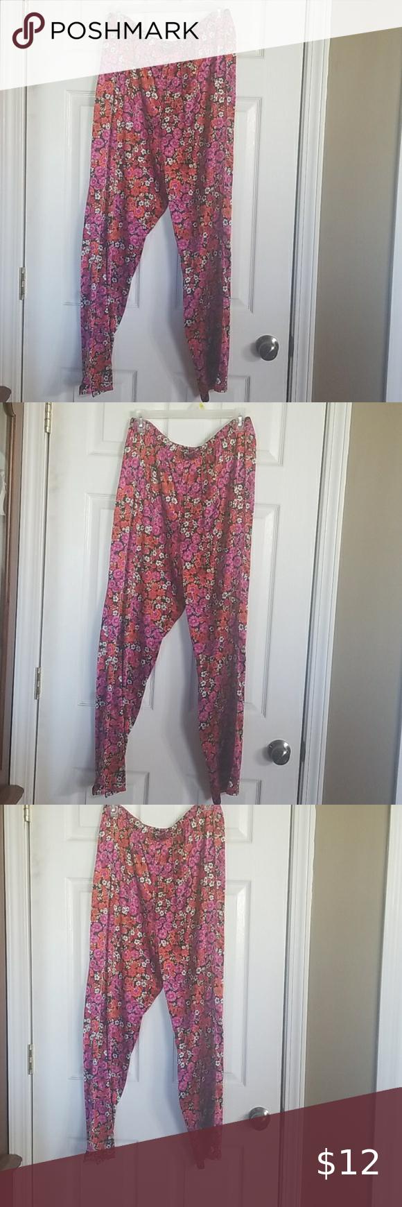 Pajama bottoms size Medium very silky and like new