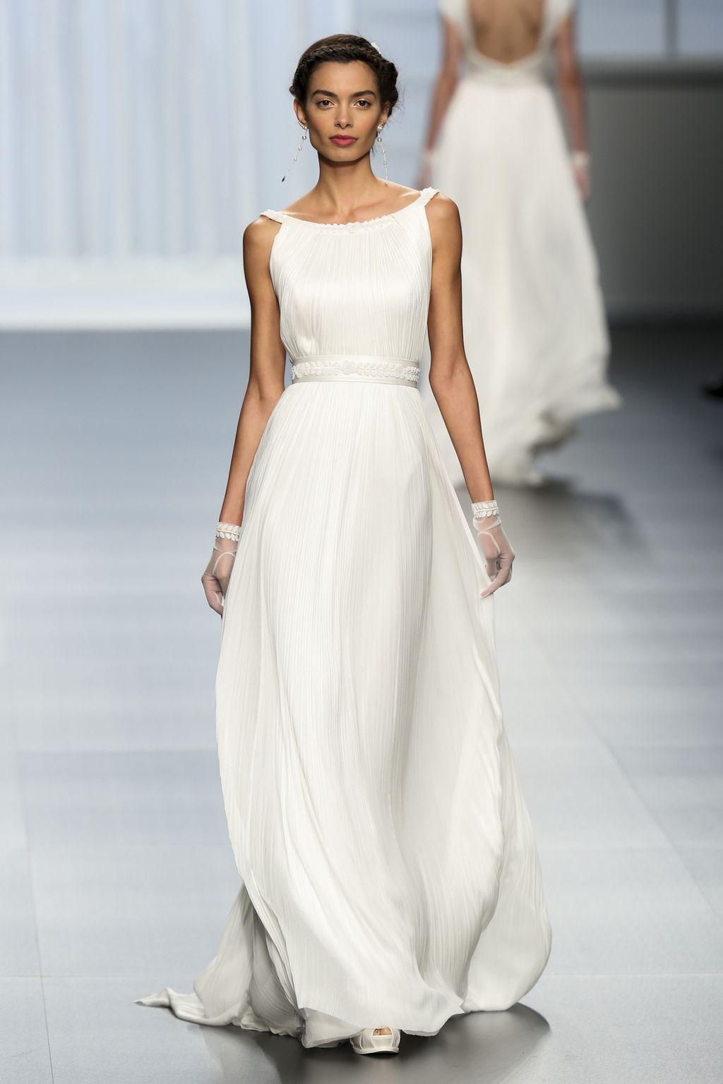 brand new c32f6 abaf4 Abiti da cerimonia e vestiti da sposa: l'Italia è il Paese ...