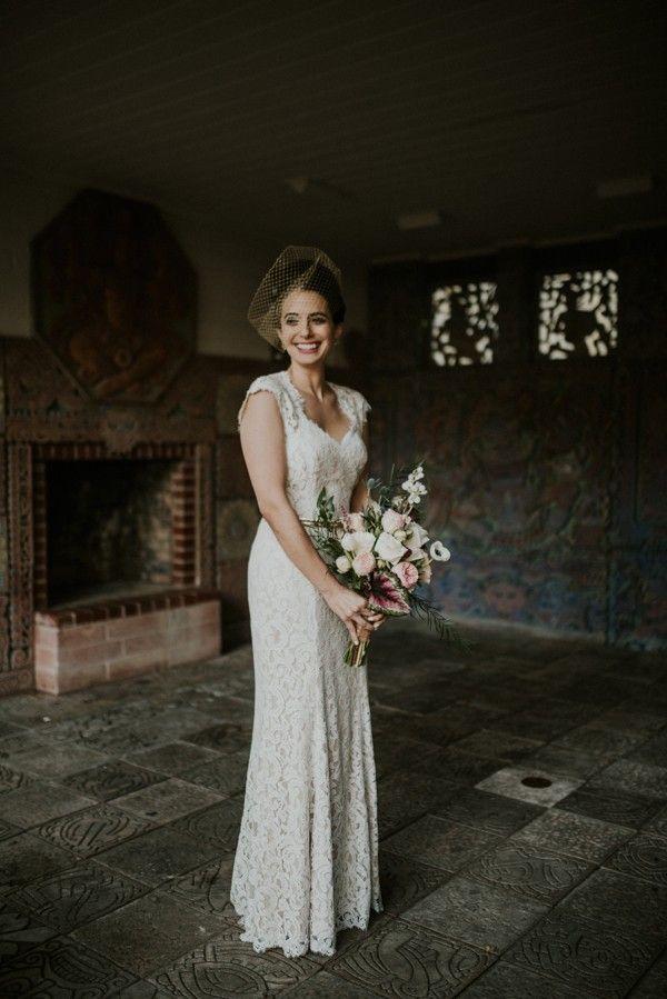 Romantic vintage bridal style with birdcage veil | Jessica Perez Photography