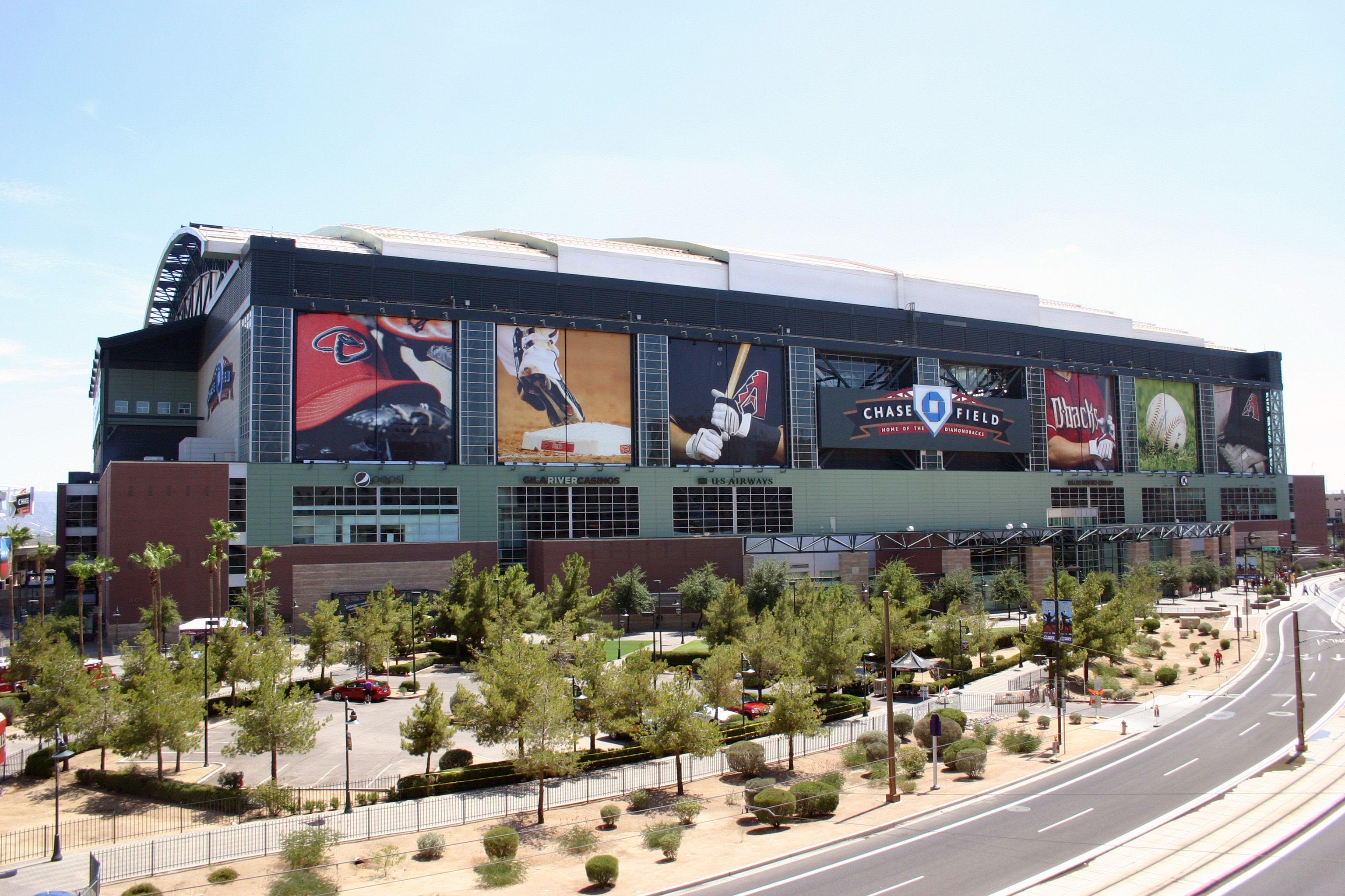 Located In Downtown Phoenix Arizona The Home Of The Arizona Diamondbacks Of Major League Baseball It Open With Images Pheonix Arizona Chase Field Diamondbacks Baseball