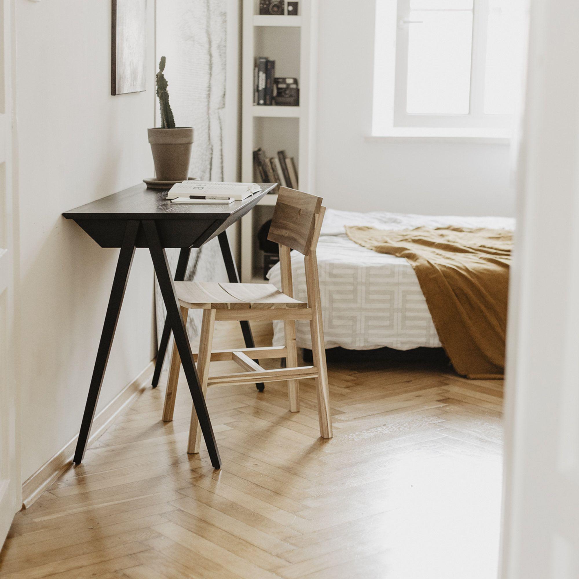 Pin Na Wooden Desk Vogel