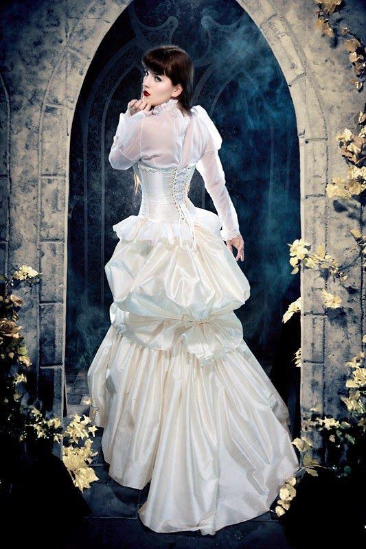 wedding dress with a bustle look   Steampunk Wedding Dress ...