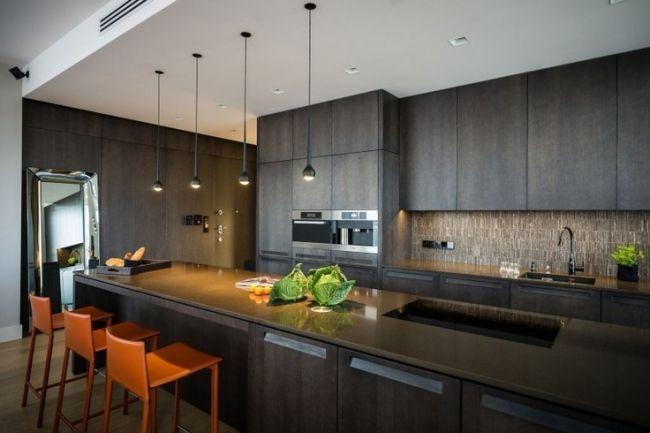 Wohnideen Küchenstil modern dunkles holz orange barhocker Küche - küche holz modern