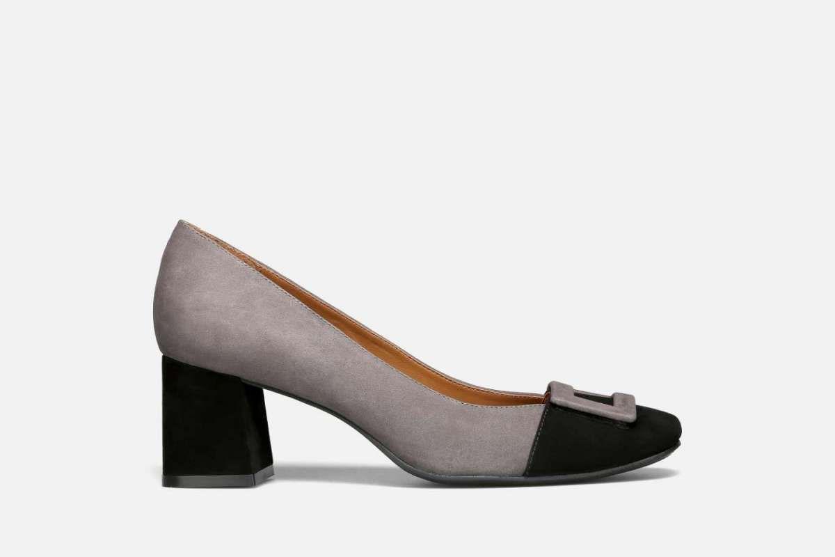Pumps mezzo tacco in taupe e nero con fibbia della collezione scarpe  Vicenza Autunno Inverno 2016 2017 7db779ec3fe